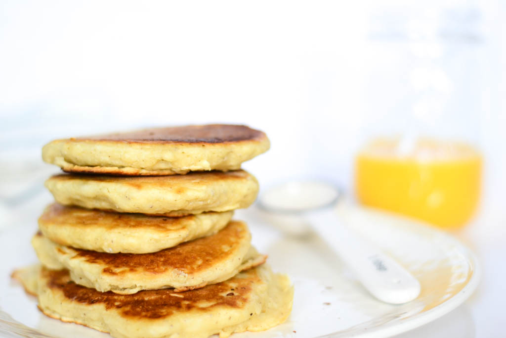 The best vegan pancakes for a lazy weekend, breakfast in bed type of morning.
